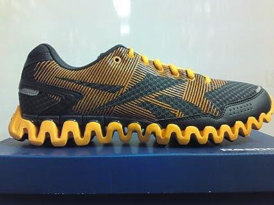 368e3239741 Reebok ZIGNANO FLY 2 J84708 Unisex-adult Sports Shoe