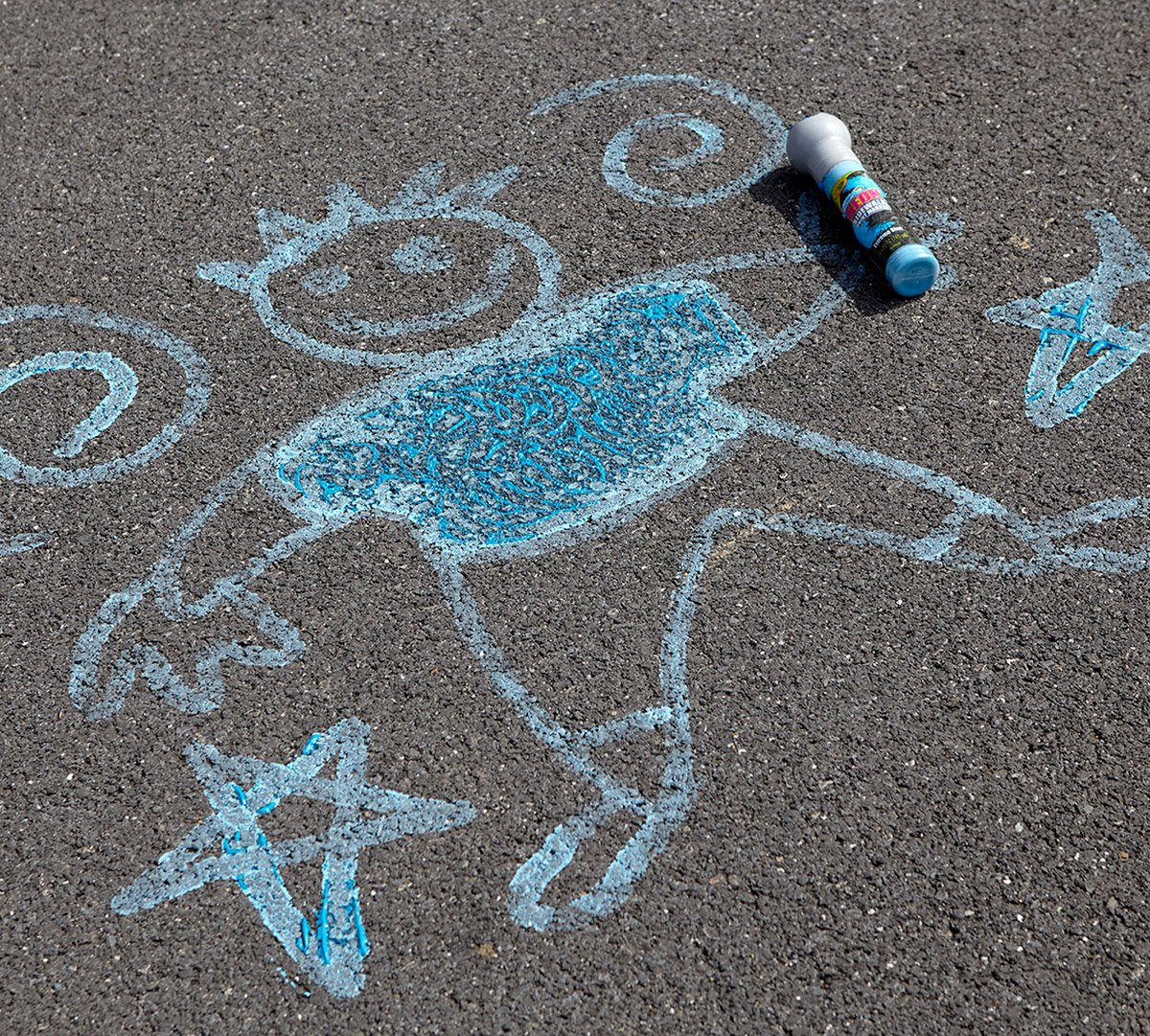 Crayola Neon Paint Markers, Outdoor Toy Sidewalk Paint, 4 Color Pack by Crayola (Image #5)