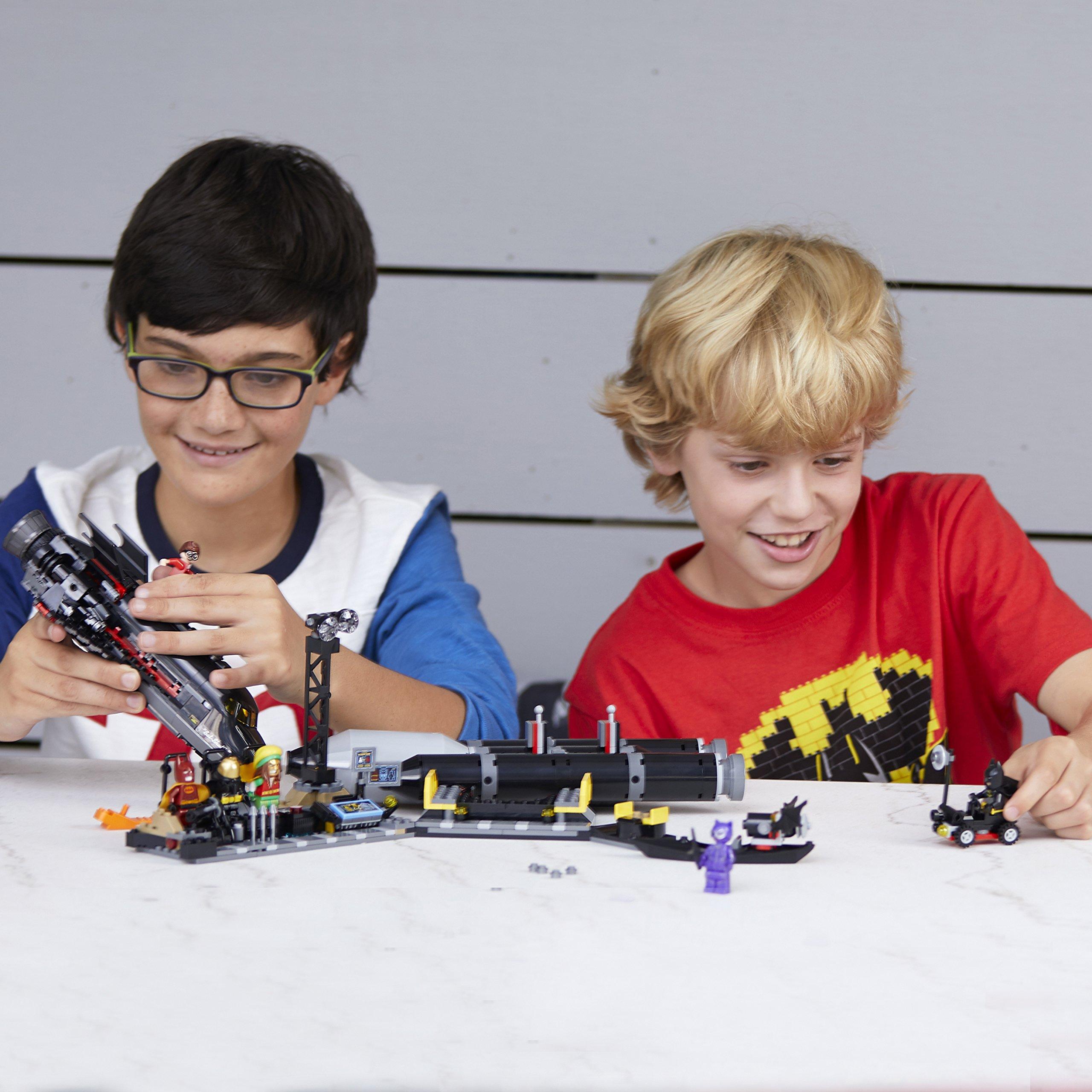 LEGO BATMAN MOVIE the Bat-Space Shuttle 70923 Building Kit ...