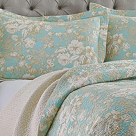 Amazon Com Laura Ashley Brompton Collection Quilt Set Ultra Soft All Season Bedding Reversible Stylish Coverlet With Matching Sham S Full Queen Serene Home Kitchen