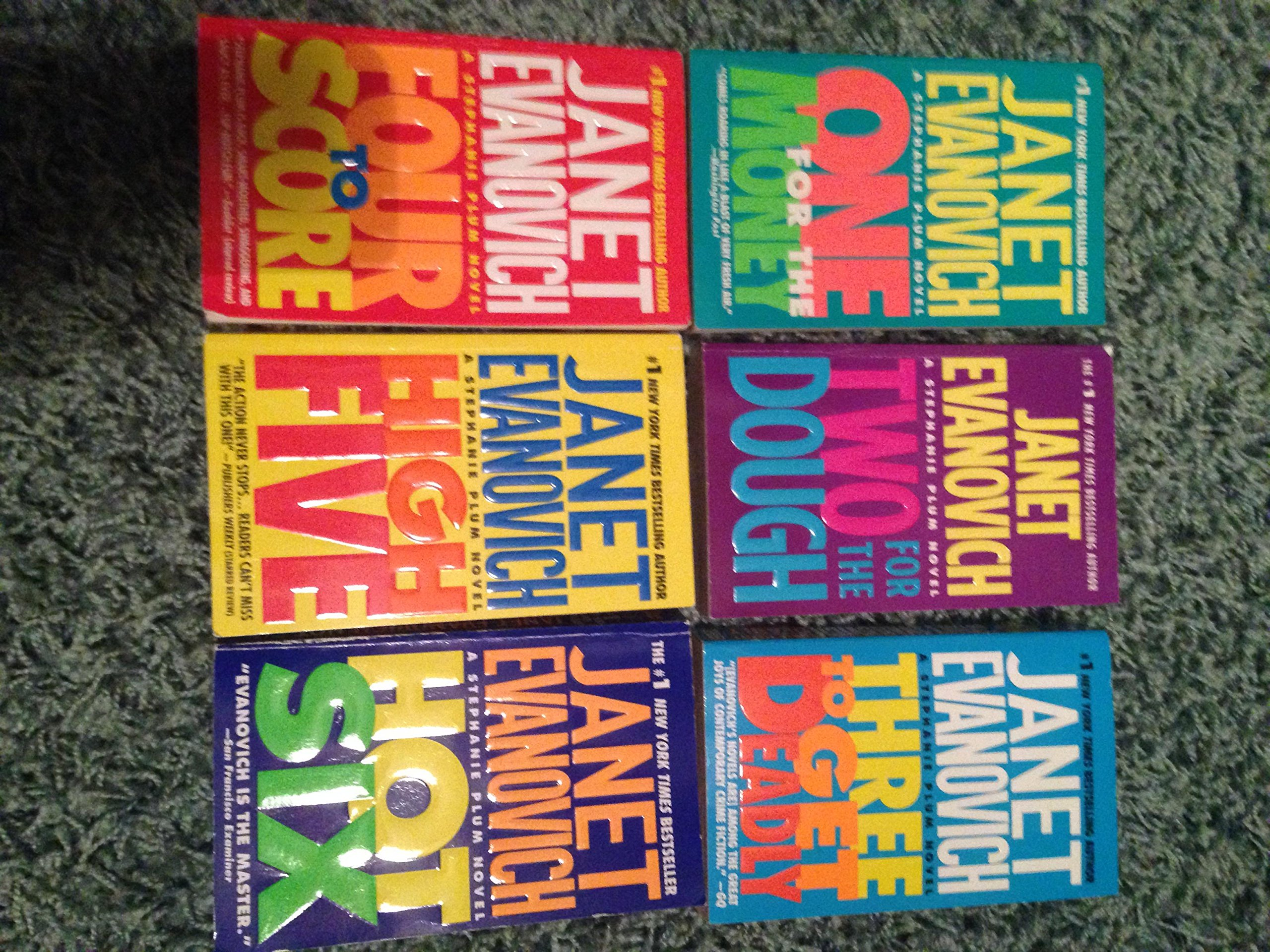 Download Janet Evanovich's Stephanie Plum Books 1-6 (One for the Money,Two for the Douth,Three to Get Deadly,Four to Score,High Five,Hot Six pdf epub