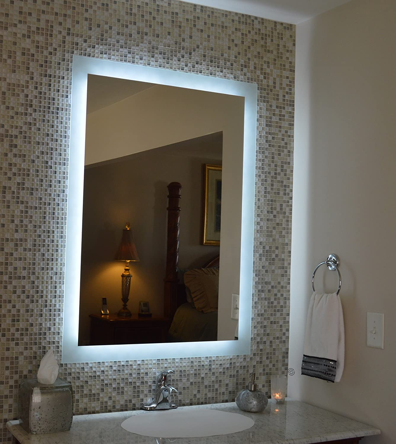 Amazon.com: Wall Mounted Lighted Vanity Mirror MAM92840 28: Home ...