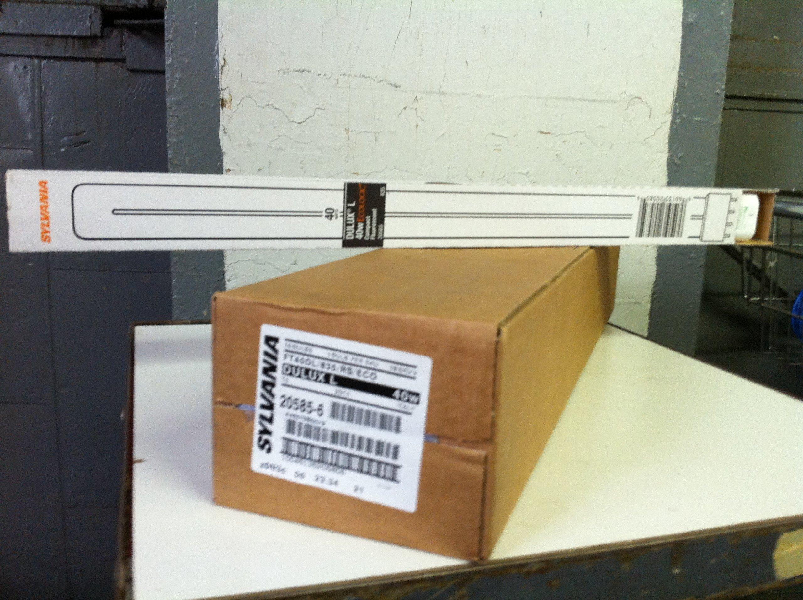 Sylvania 20585 FT40DL/835/RS/Eco Dulux L 40W Ecologic Compact Flourescent Cfl Light Lamp, 40 Watt, 4 Pin, 2G11 Base, 3500K, Pack of 10, White