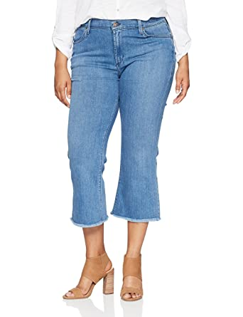 6a575a4212b Amazon.com  James Jeans Women s Plus Size Kiki Crop Flare Jean in Genie  Blue  Clothing