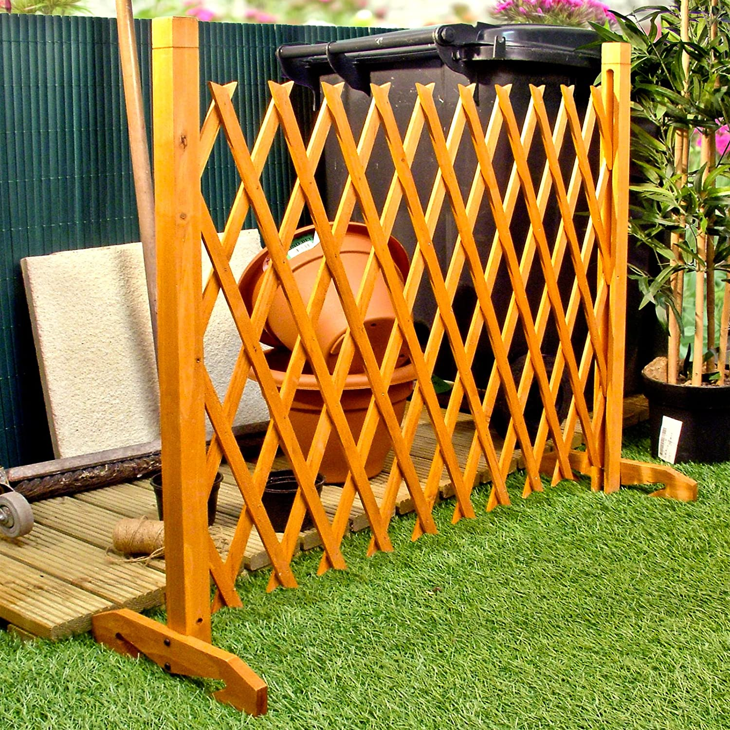 Expanding Fence Garden Screen Trellis Style Expands to 6'2