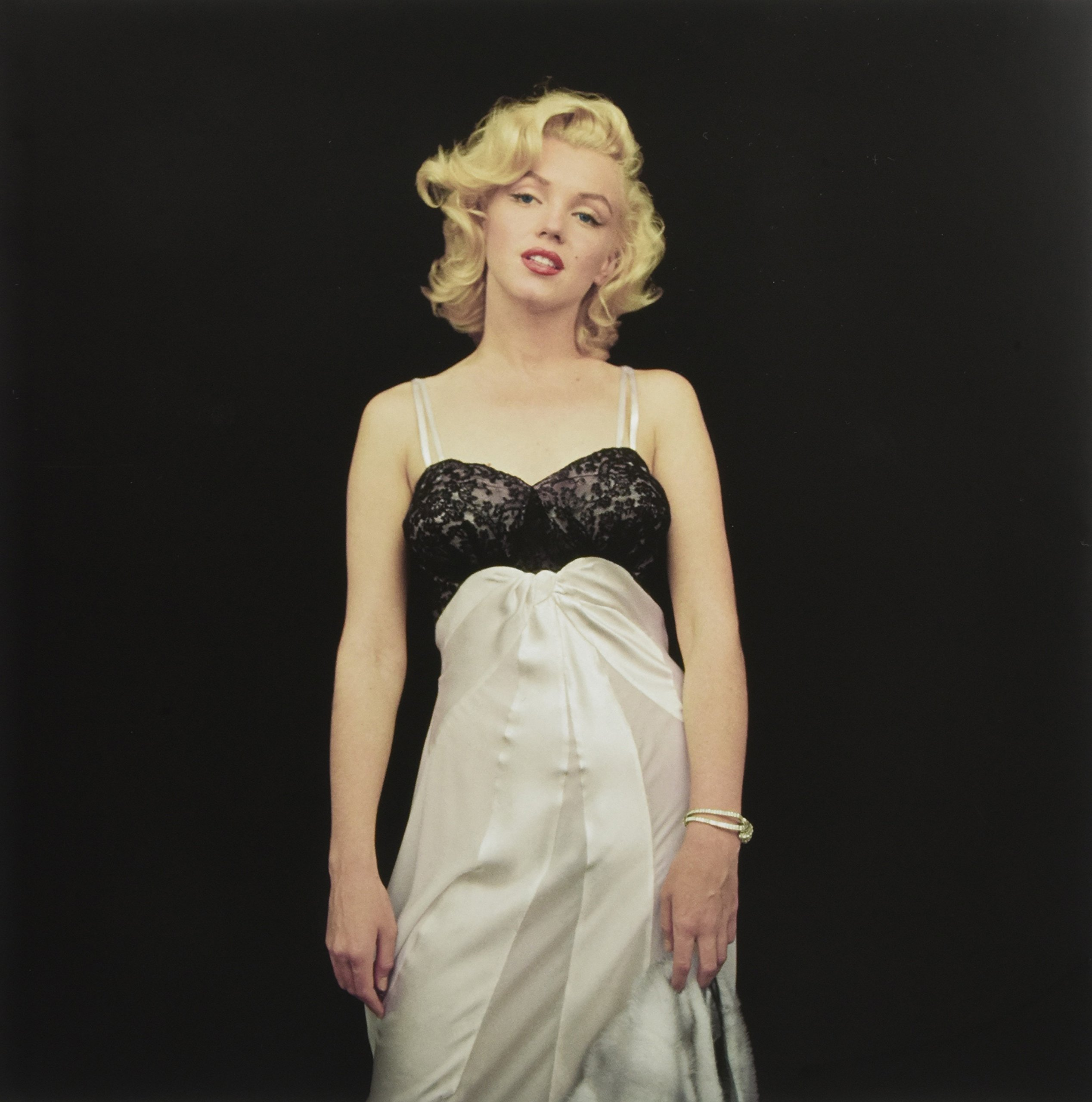 a5c9ec3a8af The Essential Marilyn Monroe by Milton H. Greene  Milton H. Greene  50  Sessions Hardcover – October 16