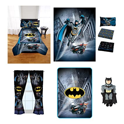 1610c90079 Jay Franco   Sons Batman Guardian Speed Room in a Bag comes with Twin Full