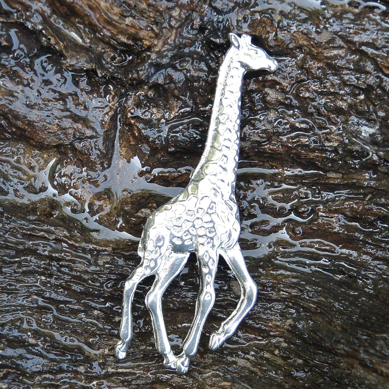 par William Sturt Fait Main en Etain Les Etains de Jumilhac Broche Girafe Cadeau pour Maman Fabrication Artisanale Francaise