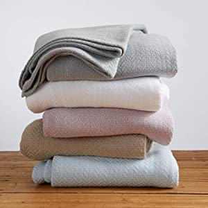Great Bay Home 100% Ringspun Cotton Textured Weave Blanket. Lightweight and Soft, Perfect for Layering. Aurelie Collection (Full/Queen, Pale Blue)