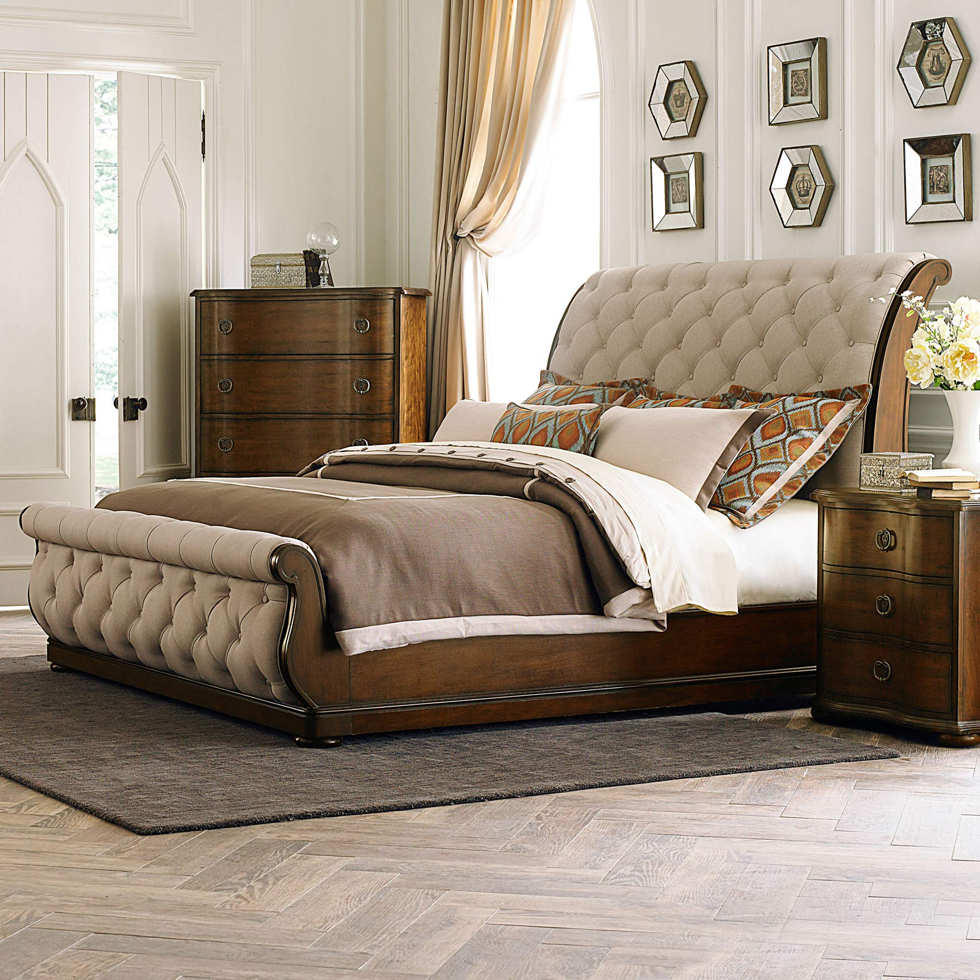 Liberty Furniture Industries Cotswold Sleigh, King, Cinnamon by Liberty Furniture INDUSTRIES