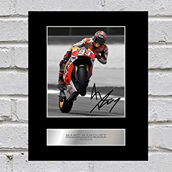 Foto montada de Honda firmada por Marc Marquez