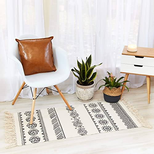 Black and White Runner Rug for Room Decor – 2×4 Kitchen Rug with Woven Tassels – Outdoor Rug – Floral Rug – Bohemian Rug for Home Decor – Boho Patio Rug – White Rug Runner Mat – Small Rug for Bedroom
