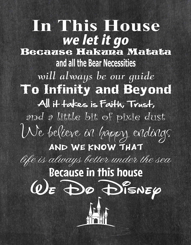 印刷写真品質のポスター In This House We Do Disney 米国製 ディズニーファミリーの家の決まり フレームは含まれていません 16x20 Wall_Print_WDD B01CW2VARK  Chalkboard Background 16x20