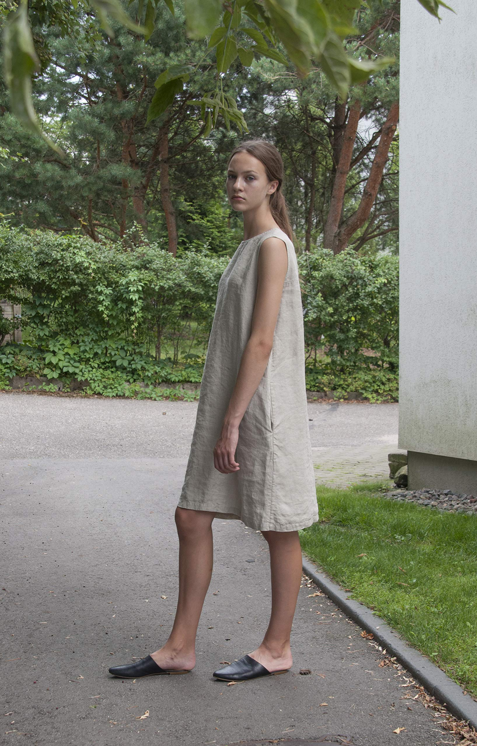 Sleeveless natural linen dress with pockets, loose linen dress, midi linen dress, loose linen tunic, handmade in Europe