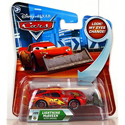 Disney / Pixar CARS Movie 1:55 Scale Die Cast Car with Lenticular Eyes Lightning McQueen with Shovel Mattel: Toys & Games