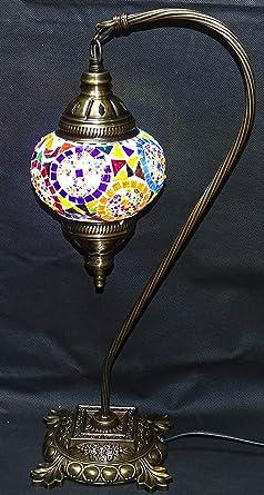lampara turca curva sobre mesa 43 cm x 13 cm