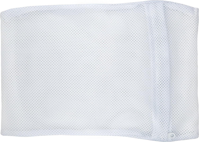 Delicates Defender: lingerie laundering envelopes, small mesh laundry bags, white