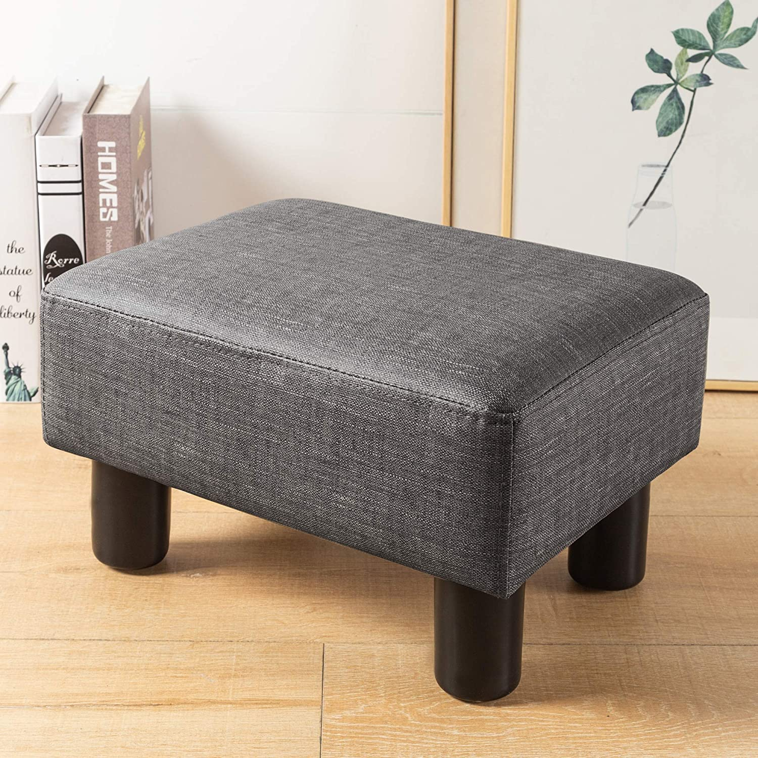 Small Rectangle Foot Stool, Gray PU Leather Fabric Footrest Small Ottoman Stool with Non-Skid Plastic Legs, Modern Rectangle Footrest Small Step Stool Ottoman for Couch, Desk, Office, Living Room