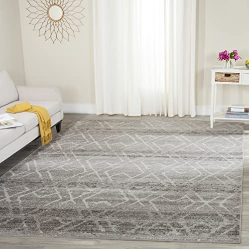 Safavieh Adirondack Collection ADR124B Silver and Ivory Vintage Geometric Area Rug 4 x 6