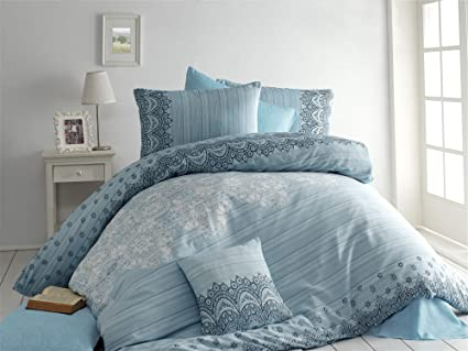 Lamodahome Traditional Duvet Cover Set 65 Cotton 35 Polyester Black White Motifs On Light Blue Set Of 3 Duvet Cover Two Pillowcases Single Bed Amazon Co Uk Kitchen Home