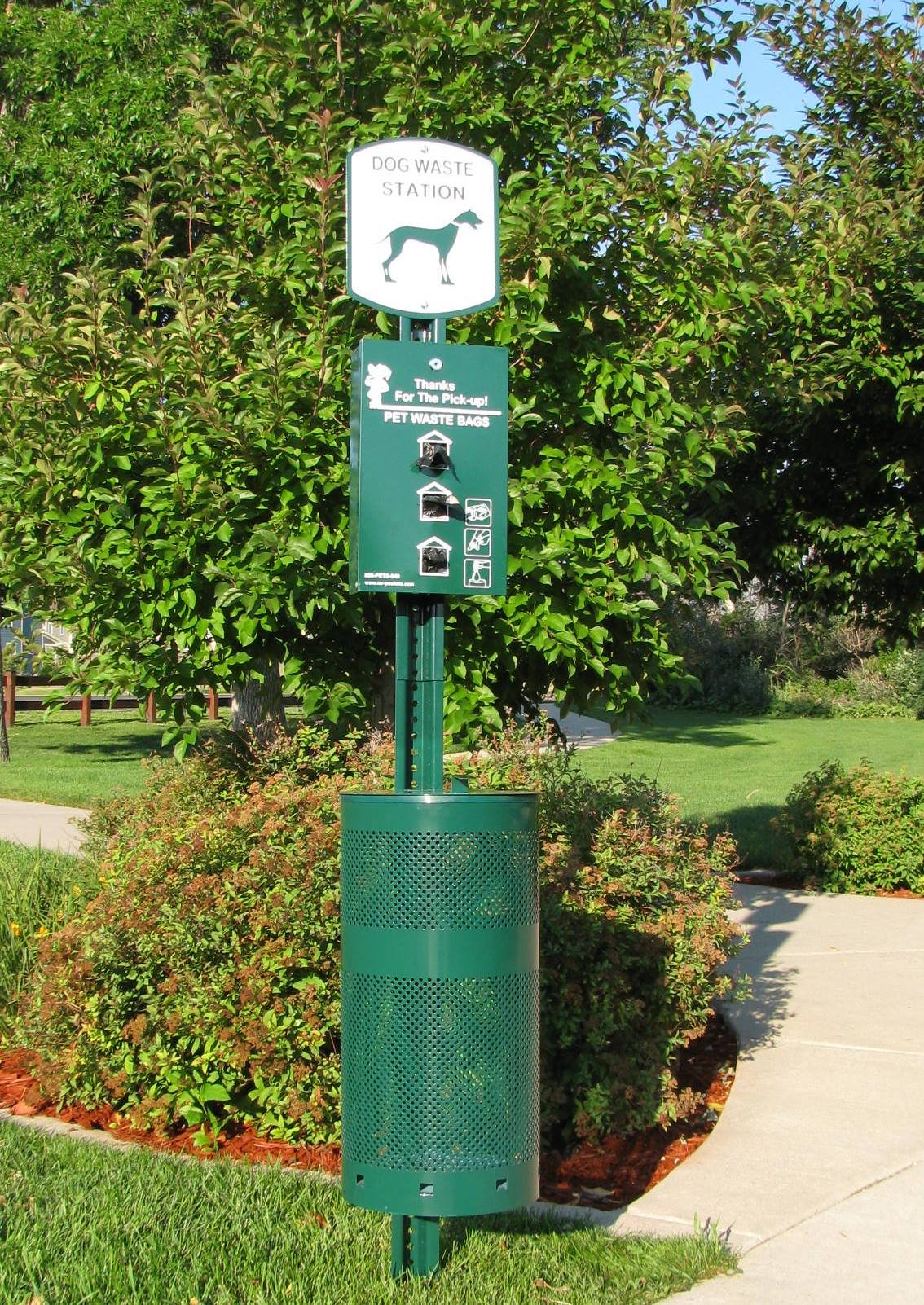 Pet Waste Station, Everything Included, Plus 400 Bags Free! ( PWC-016 )