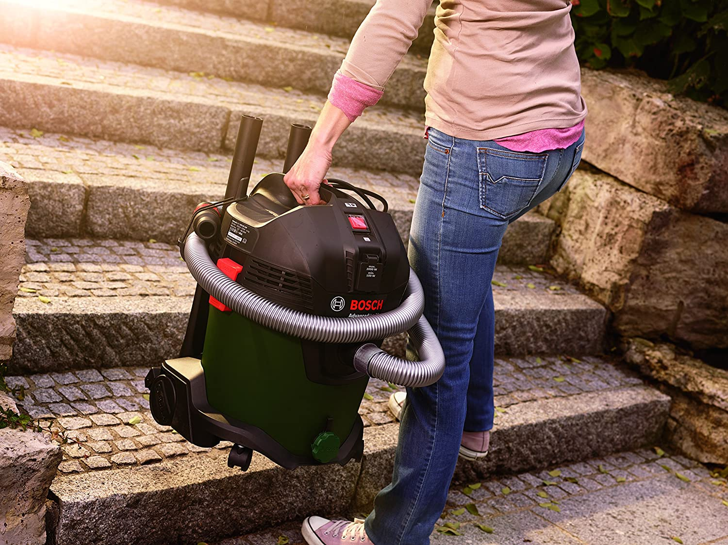 Bosch UniversalVac 15 Wet and Dry Vacuum Cleaner with Blowing ...
