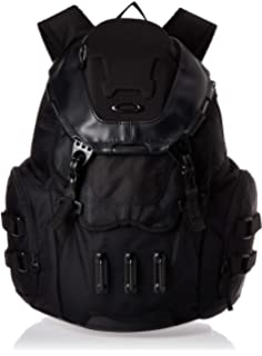 Amazon Com Oakley Men S Kitchen Sink Backpack Stealth Black One Size Casual Daypacks