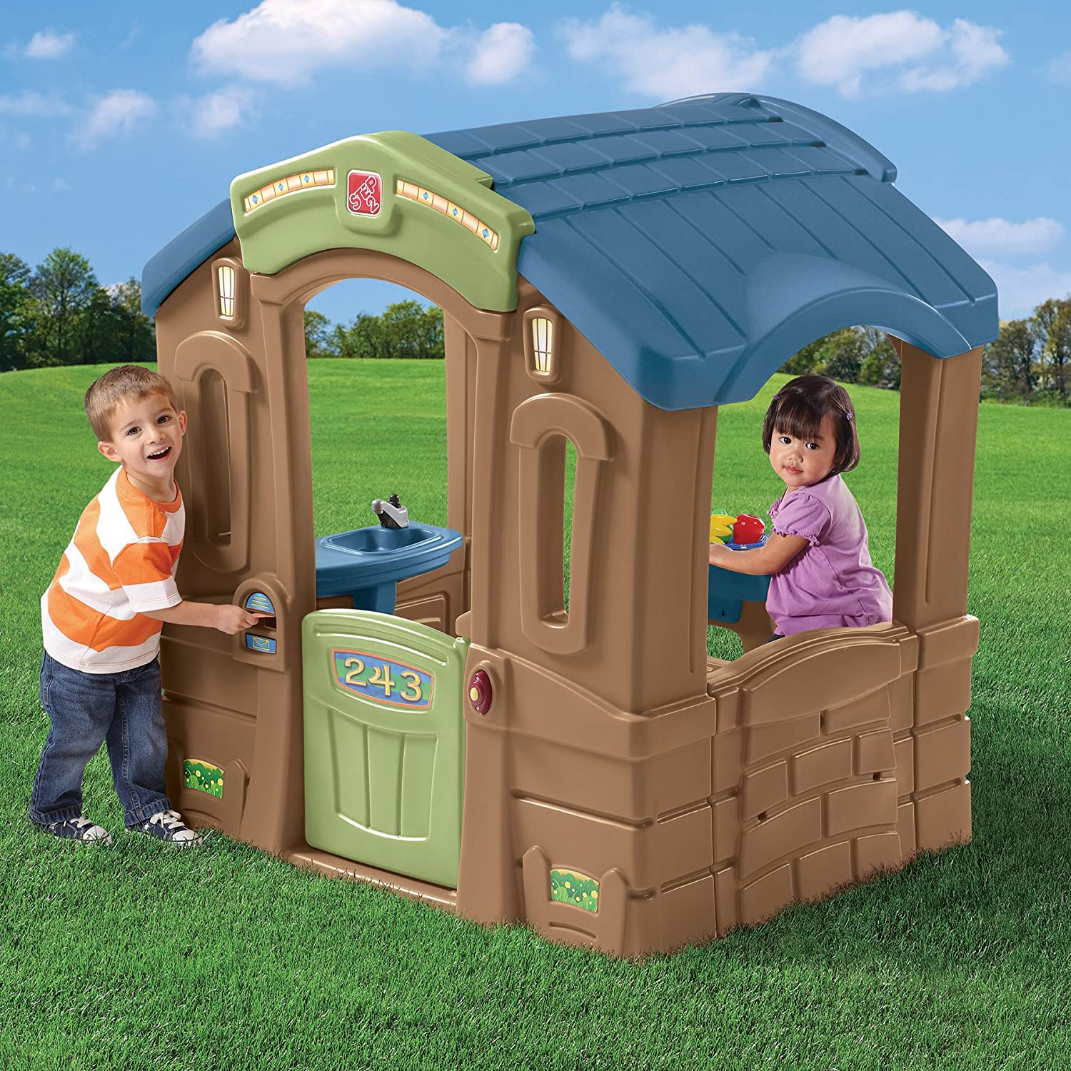 Amazon.com: Step2 Play Up Picnic Cottage Playhouse for Toddlers ...