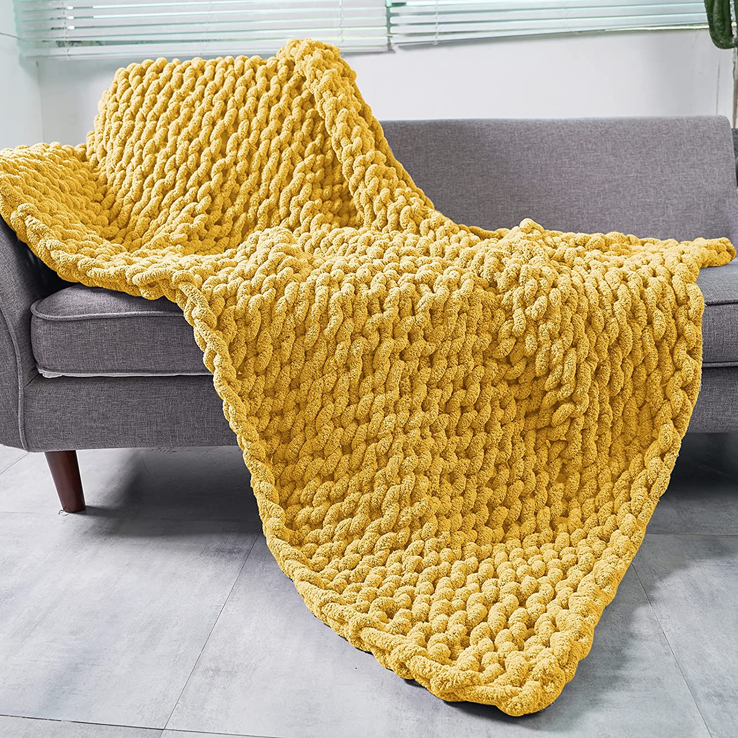 ZHIBESCHOS Chunky Knit Blanket Cozy Recommendation Max 71% OFF Chenille Beautifu Warm Throw