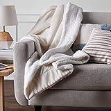AmazonBasics Soft Micromink Sherpa Blanket - Throw, Cream
