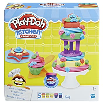Play Doh B9741eu4 Kitchen Creations Frost N Fun Cakes Mould Set
