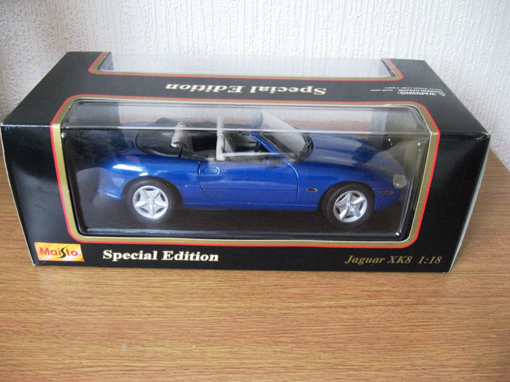 1996 Jaguar XK8 - Special Edition Die Cast Model by Maisto (Image #1)