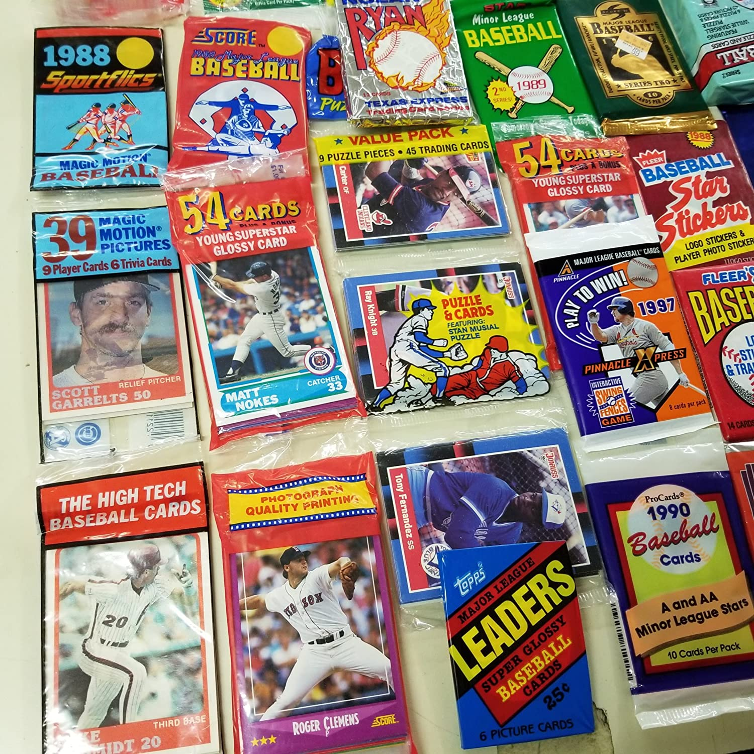B000U0NTQ2 Rookies HQ 50 Original Unopened Packs of New & Vintage Baseball Cards (1986-2010) PLUS Pack 100 Soft Sleeves 914zAnVDP7L