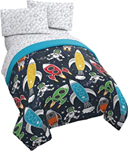 Jay Franco Space 5 Piece Full Bed Set - Includes Reversible Comforter & Sheet Set- Bedding Features Spaceships & Rocketships - Super Soft Fade Resistant Microfiber