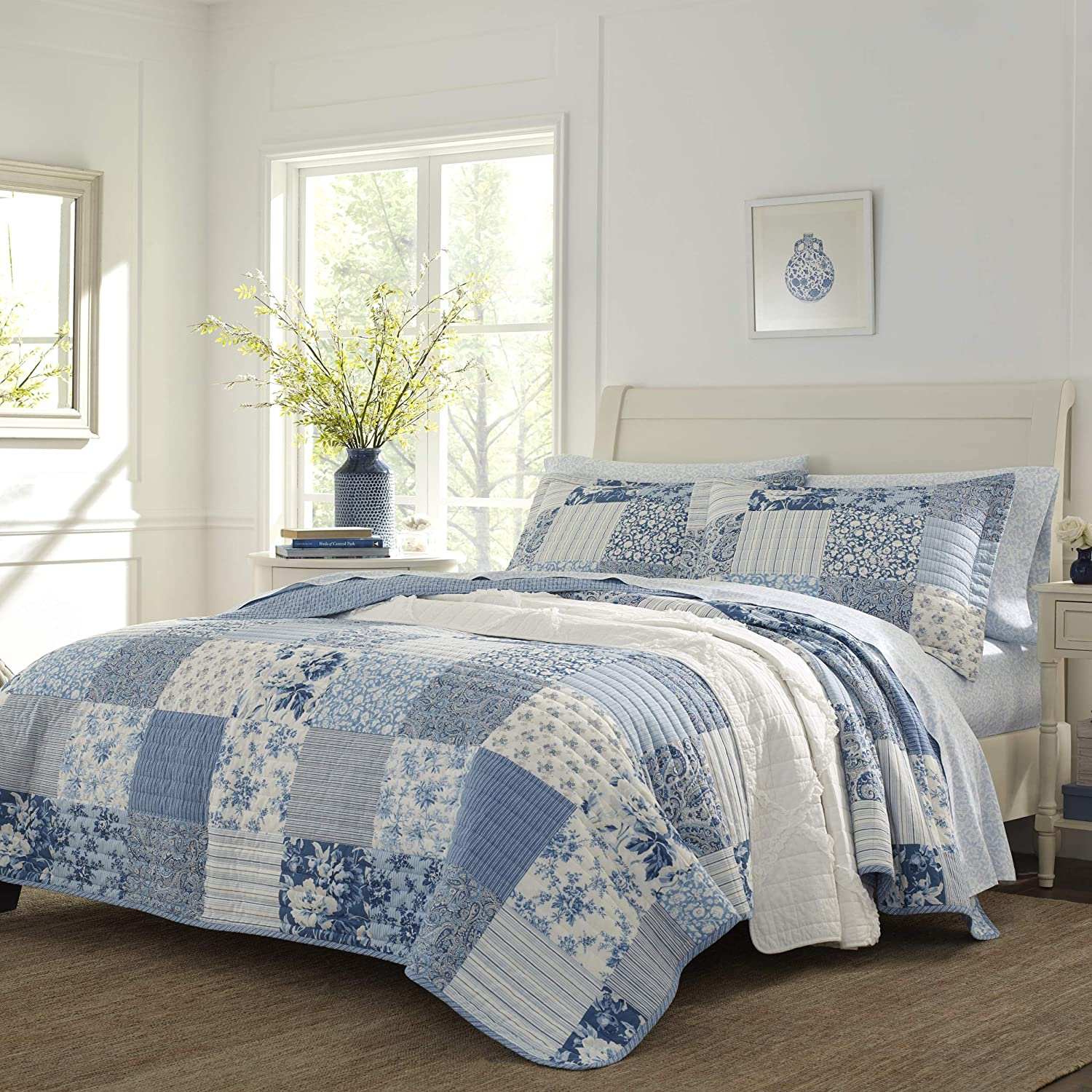 Laura Ashley Home | Paisley Patchwork Collection | Luxury Premium Ultra Soft Quilt Coverlet, Comfortable 3 Piece Bedding Set, All Season Stylish Bedspread, Full/Queen, Blue