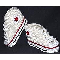 Patucos bebé. Crochet. Unisex. Estilo Converse. Color crema. 100% algodón. Tallas de 0 hasta 9 meses. Hechos a mano en…