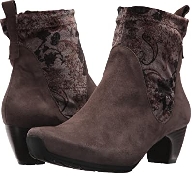 Stretch velvet goat leather booties