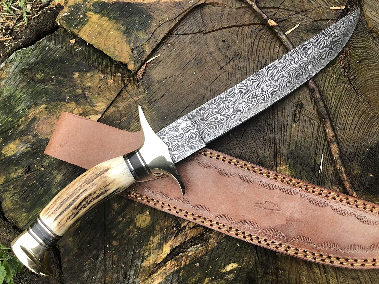 Handmade Damascus Steel Hunting Knife – Beautiful Bowie Knife – Amazing Value