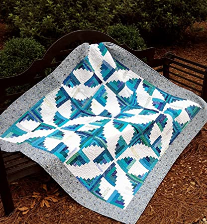 Amazon Com Fly Away With Me Curvy Log Cabin Quilt Pattern By Cut Loose Press And Natural Comforts Quilting