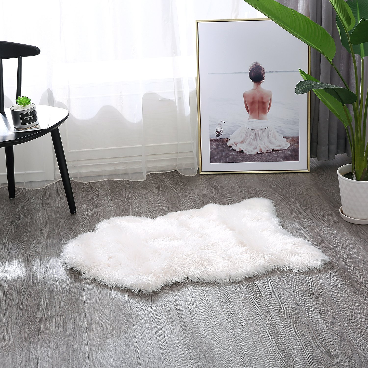 Townssilk s faux fur Sheepskin Fur Hide pelt throw rug runner Seat Cover Chair/Couch/Bed Mat Supersoft Floor Mat Carpet Area Rug(60X90CM, snow white)