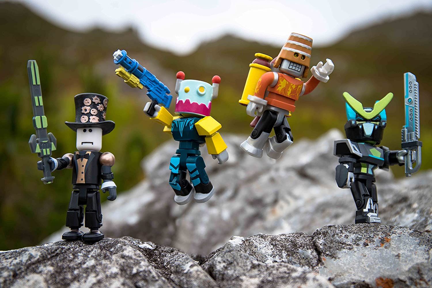 Roblox Robot Riot 4 Figure Pack Mix /& Match Set Action Figure Toys Kids Gifts S2