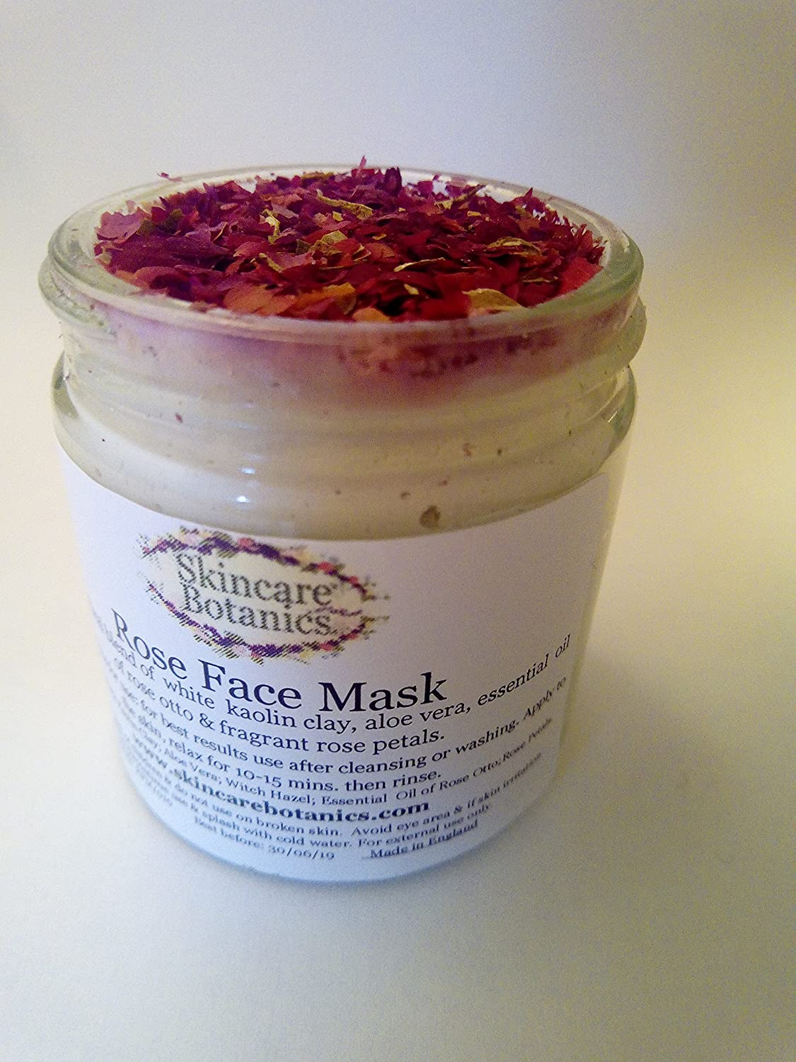 Aromatherapy All Natural & Organic Rose Face Mask | A luxurious & gentle face mask with Rose Petals & Essential Oil of Rose Otto | Balances & nourishes skin, gently clarifies, calms & protects | Crafted with pure Kaolin Clay, organic Ro