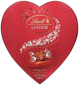 lindt lindor valentine truffles gift box milk heart 85 ounce - Valentines Gift Boxes