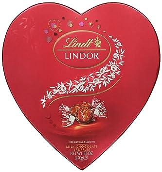 Amazon.com : Lindt Lindor Valentine Truffles Gift Box, Milk Heart ...