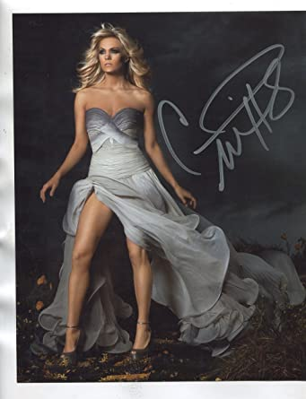 Famous comics carrie underwood
