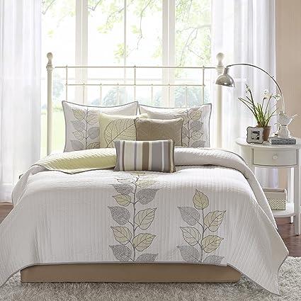 Amazon.com: Madison Park Caelie Queen Size Quilt Bedding Set ...