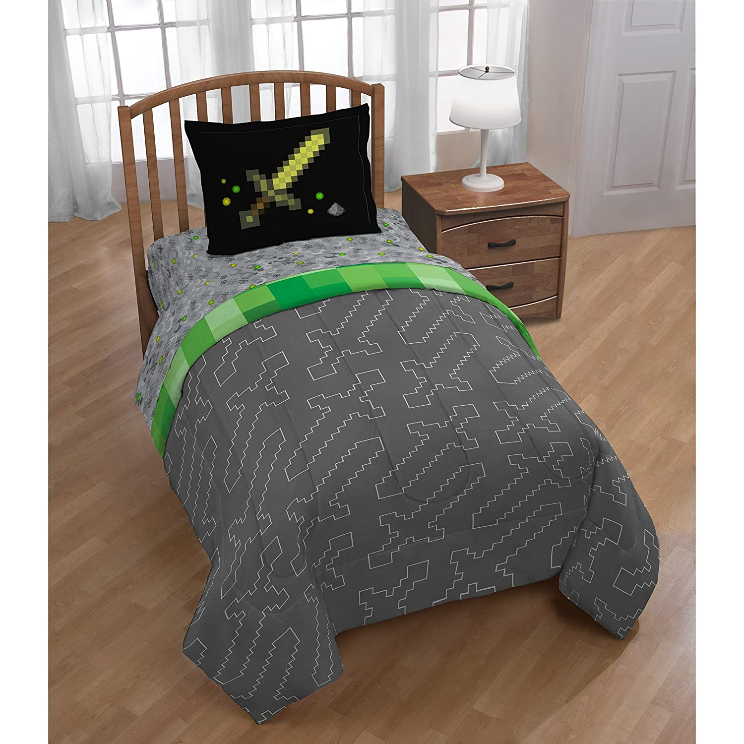 2 Piece Kids Black Grey Green Mojang Minecraft Comforter Twin Set, Boys Girls Fun Pixel Games Mine Craft Themed Bedding, Reversible Computer Video Game Buliding Inspired, Polyester
