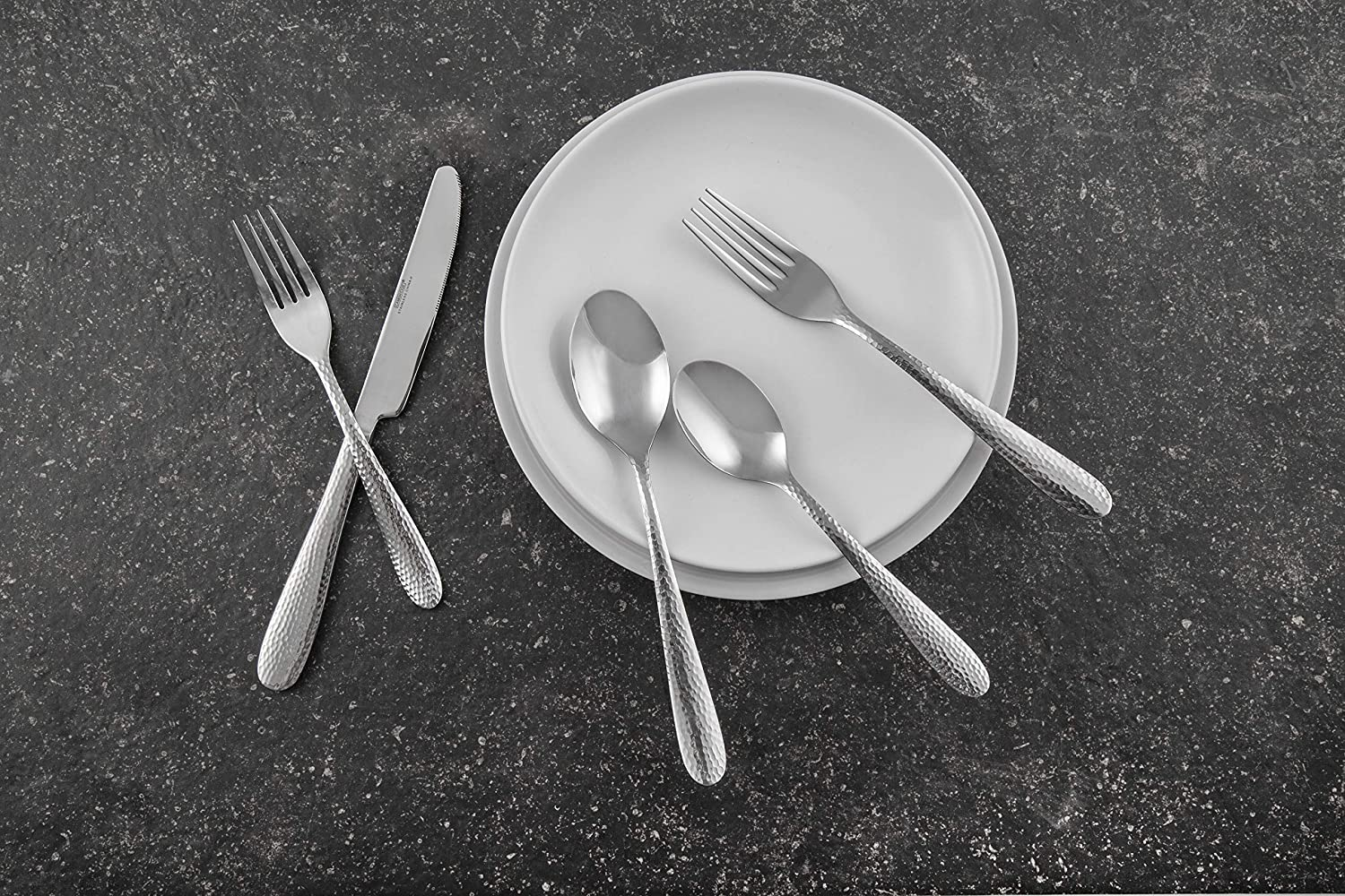 Includes Forks//Spoons//Knives Cambridge Silversmiths Soiree Mirror 30-Piece Flatware Silverware Set Service for 6