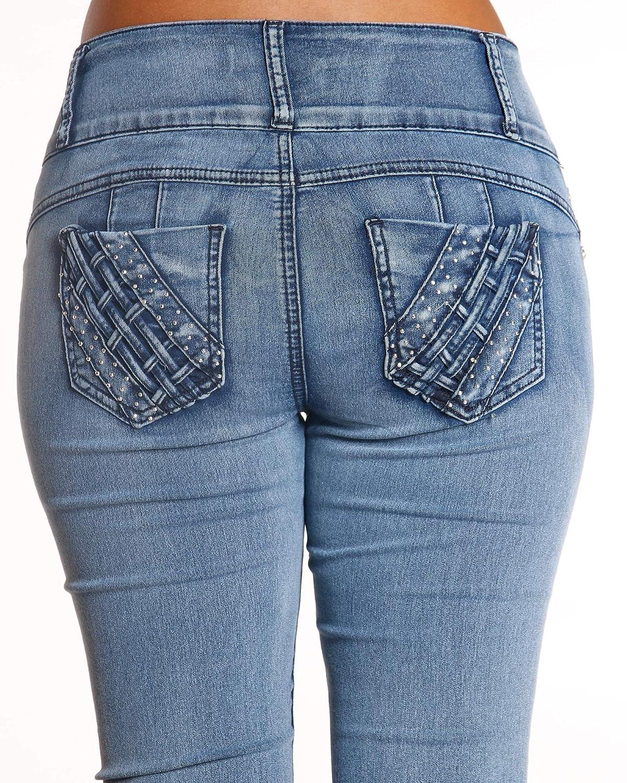 a6f11083d70 Amazon.com  VIM VIXEN Womens Light Blue Three Button Colombian Jean ...