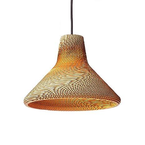 Twister 30 de Wishnya, una lámpara de techo hecha de cartón ...